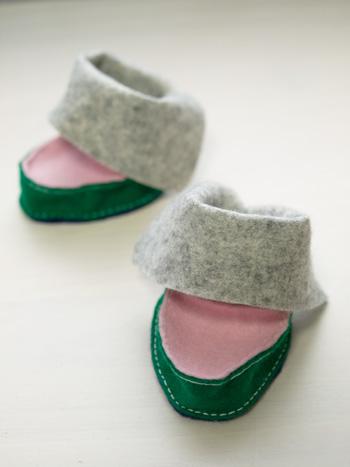 スーの靴。前足用。