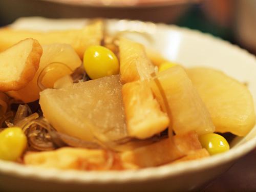 シンプルな煮物に銀杏で季節感をプラス