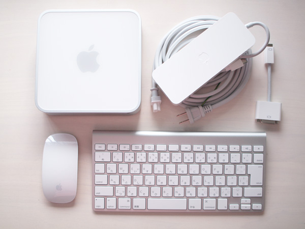 Mac miniの電源アダプタはとても大きい